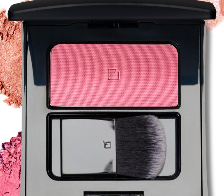 envase practico rubor petalo rosa iluminador compacto